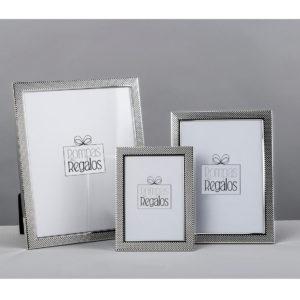 Marco fotos metal grabado plata 3 tamaños