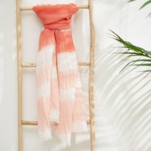 Fular estampado tie dye Coral