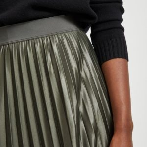 Falda midi plisada verde militar metalizado