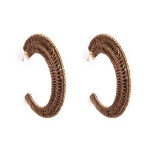 Pendiente semi aro hilo trenzado marrón