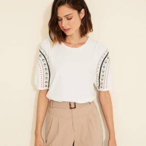 Camiseta manga abullonada bordada