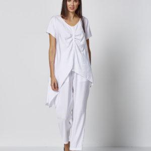 Camiseta blanca irregular frunces