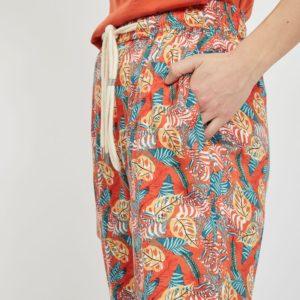 Pantalón cropped estampado tropical
