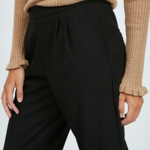 Pantalón negro corte recto con plisado