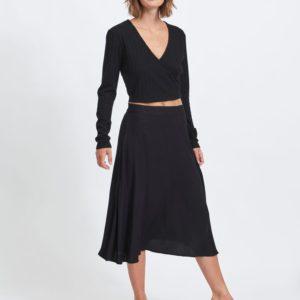 Falda midi cintura alta negra