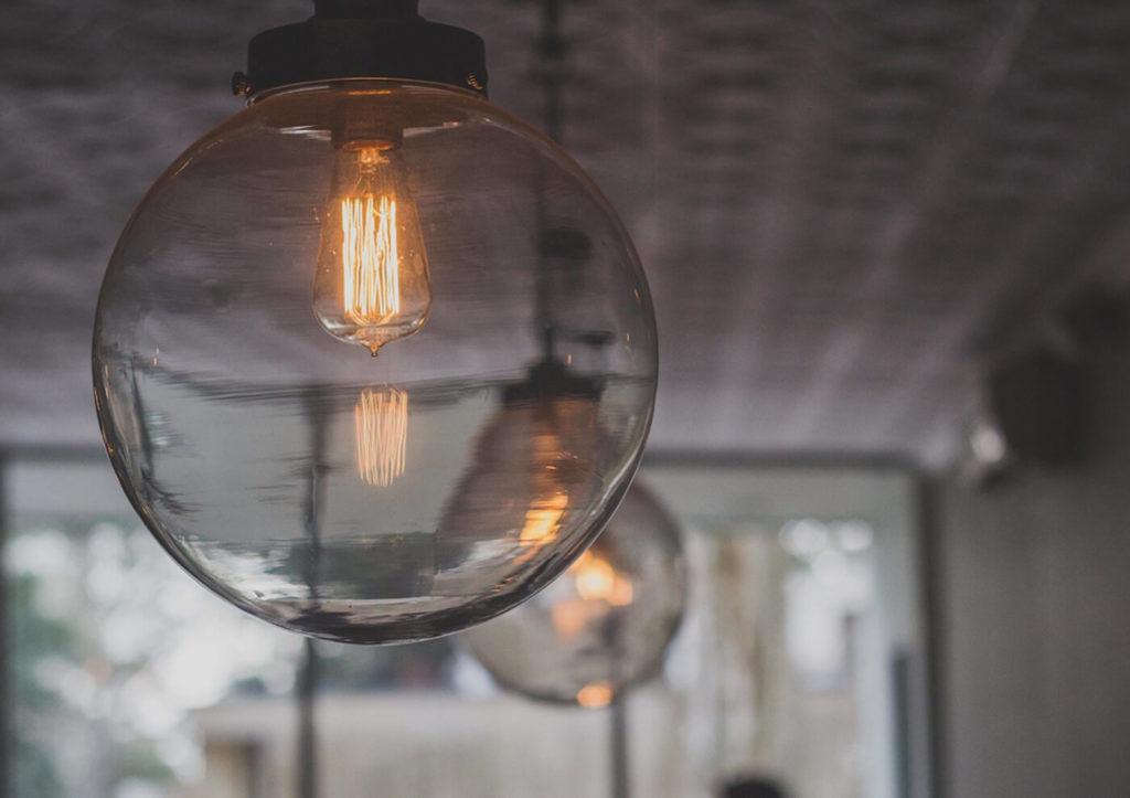 Decorar con lámparas de techo